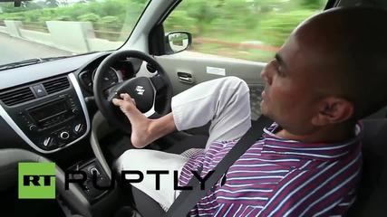 Индиец без ръце иска да има шофьорска книжка