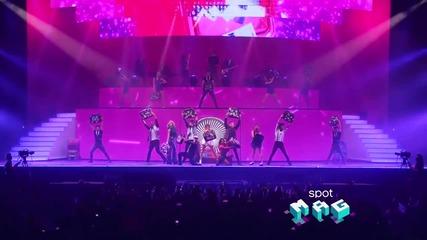 Violetta Live: En gira/ Тienes el talento + превод
