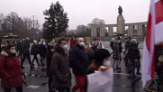 Germany: Protesters march to Russian embassy in Berlin calling for Navalny's release