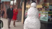 Страхотен майтап със снежен човек който плаши хората - 2013