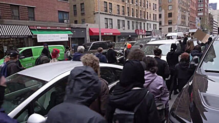 USA: Protesters march in NYC to demand justice over fatal shooting of Daunte Wright