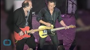 Bruce Springsteen Rocks the Jersey Shore With Surprise Bar Gig