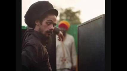 Snoop Dogg - Get a light feat. Damian Marley