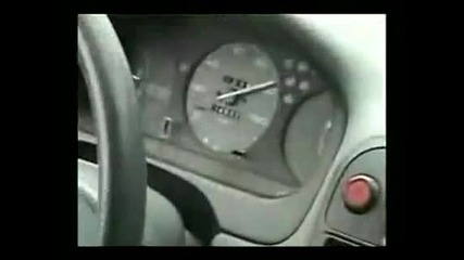 Honda Civic Vtec прави за смях Toyota Supra V6