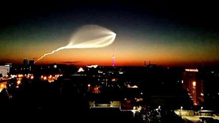 Уникална гледка- медуза в нощното небе