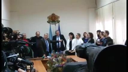 Петър Москов награждава медиците, оказали помощ при инцидента на Витиня