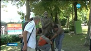 Монтираха скулптурата на Георги Калоянчев в Бургас