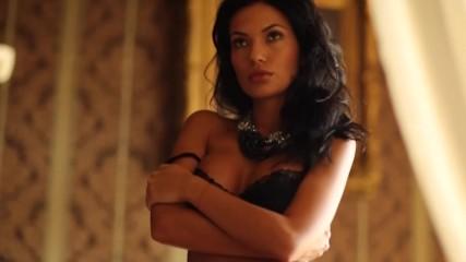 ТВ водещата Лора Георгиева показа секси тяло и сладка усмивка