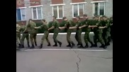 Смях • Военни от Руската Армия танцуват Ламбада