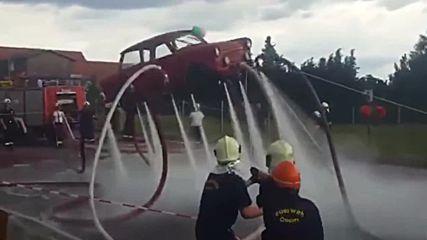 Ето как се вдига трабант във въздуха!
