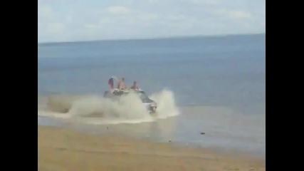 Hummer на плажа :d:d