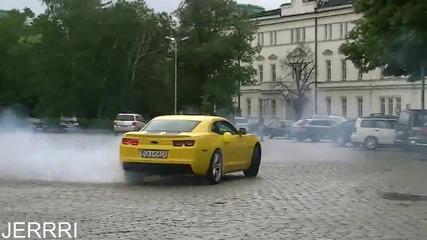 Рев и бърнаут от Camaro в София !