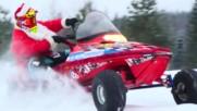 Санта Клаус Гъзара тества моторна шейна