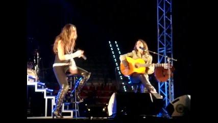 Malu y Vanesa Martin - Caprichoso - Puertollano