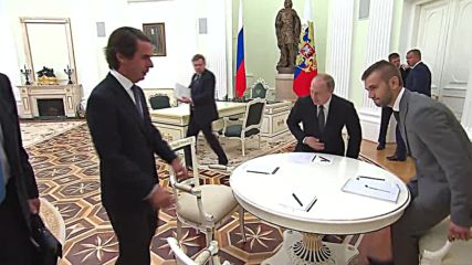 Russia: Putin meets former Spanish PM Aznar in Moscow