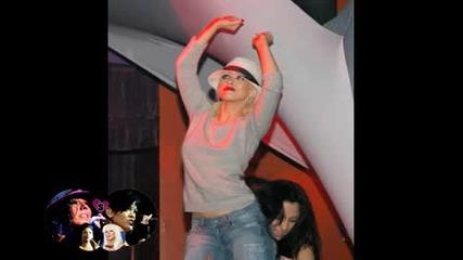 Кристина в Стриптийз бар танцува със Стриптизьорката