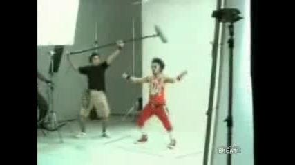 Танц (азиатска Реклама)