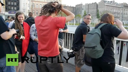 Hungary: Antifa protest Orban's refugee policies in front of Keleti station