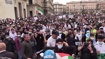 Italy: Demonstrators fill Milan streets in support for Palestine amid conflict