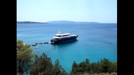 A La Carte - In The Summer Sun of Greece