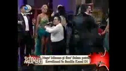 Супер Кючек - Florin Salam Adrian Minune si Carmen Serban Revelion 2010 Live