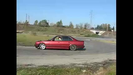 Bmw E34 540i V8 Incredible Drift