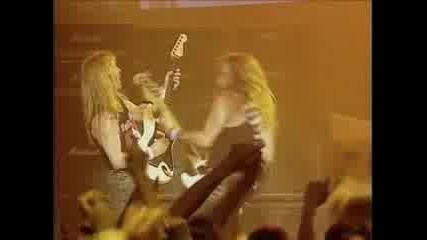 Iron Maiden - Fear Of The Dark (БГ ПРЕВОД)