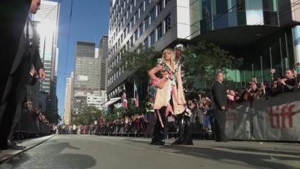 Lady Gaga пристига на филмовия фестивал в Торонто (08/09/2017)