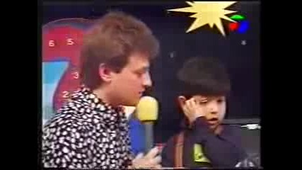 Къци Вапцаров интервюира малък дилър !