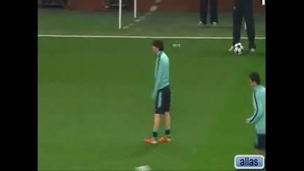 лош момент за Messi по време на тренировка Смях