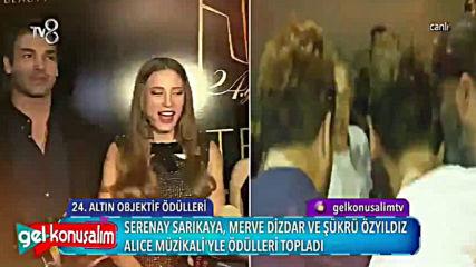 Reportaje en la llegada de Serenay junto a Sukruozyildiz y Merve Dizdar a gala de premiacin de los A