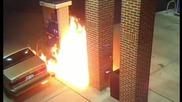 Мъж подпалва пистолет за гориво заради паяче до резервоара