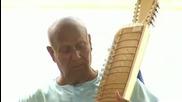 Sri Chinmoy performs in Hiroshima