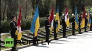 Ukraine: Poroshenko lays flower at 'Monument to the Unknown Sailor'