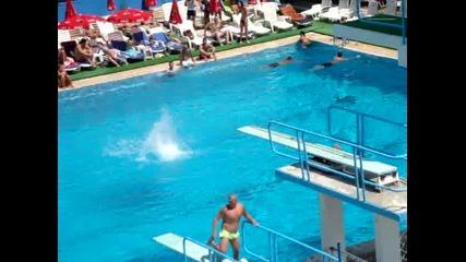 Скок от 10м в басейн - Gainer Pullout Flip