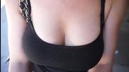 Гърдите винаги привличат мъжете, но какво се крие зад това ..