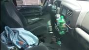 Хитър начин да проникнеш и си вземеш ключа от заключената си кола !