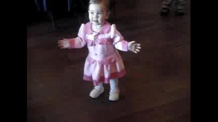 Бебе Танцува 3