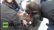 Italy: Students clash with police against 'Good School' reform in Naples