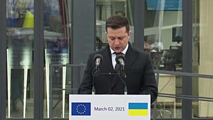 Ukraine: Zelensky thanks EU for sanctions on Moscow