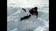 Идиот Скача В Купчина Сняг - 2 Част
