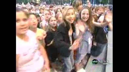 Hannah Montana - We Got The Party (live)