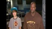 Justin Bieber bezmylven - bukvalno - With Shaq (avgust 2010)