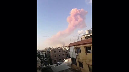 Lebanon: Watch massive smoke cloud rise up after major Beirut explosion