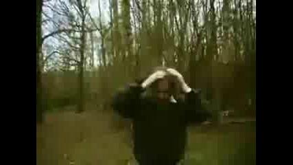 Човек Си Подпалва Лицето-Голем идиот
