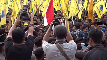 Indonesia: Clashes as protesters condemn law limiting anti-corruption commission