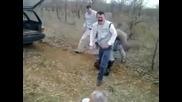 Пияни дядки с луд танц ;d