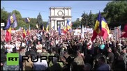 Moldova: Thousands of anti-govt. protesters rally in Chisinau
