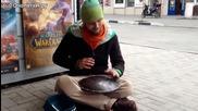 Руски уличен барабанист.•релаксираща мелодия.