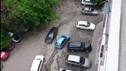 Жена паркира - Паркиране по слух